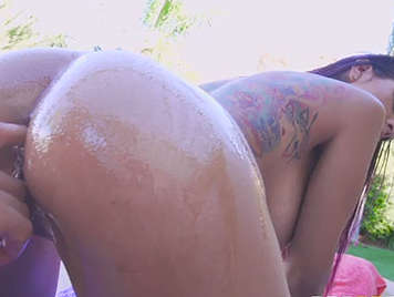 Culona tattooed in video with wild anal sex