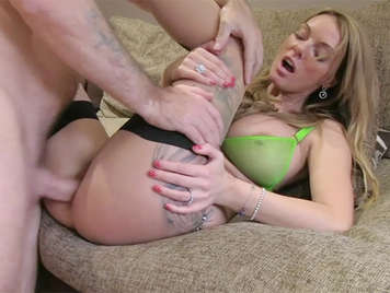 Fake porn agent fucks a busty milf and cums between her tits