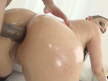 Breaking ass for a young girl for the first time