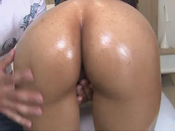 Hard sex with a hot Colombian culona
