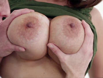 Huge natural boobs girl playing with a cock with her mouth and between her tits