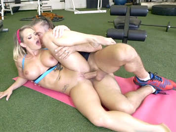 Sexy busty blonde mom fucked in the gym swallows a good cumshot sliding down her tits