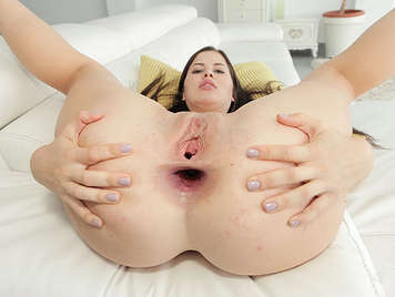 Anal sex with big gapes for the Russian Cassie Fire