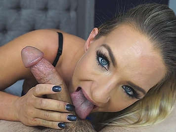 Blowjob in the morning of a blonde with blue eyes.