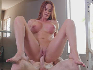 Mature with big tits redhead fucks monitor gym