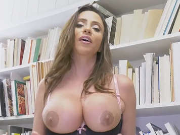 Taylor hayes squirt