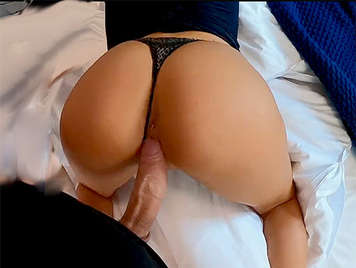 Girl in thong with big ass getting a cumshot between her tits