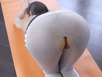 Brunette with big ass has sex and fucks with her pollon teacher of aerobics