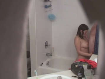 Hidden camera at toilet recording parejita