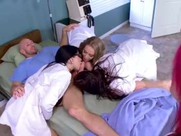 Groupsex in the hospital with the most bitchy nurses