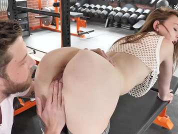 Sex in the gym with a young girl with a round ass