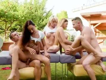 Groupsex with three beauties of young girls who end up getting