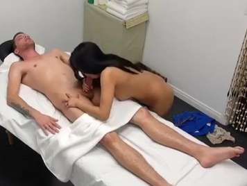 Asian massage ends with a blowjob and happy ending