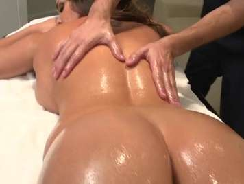 Massage with oil full section with blowjob