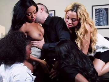 Groupsex with four vicious blacks who gets horny