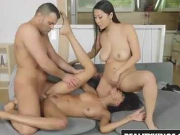 Threesomes with an Asian girl and a very horny brunette
