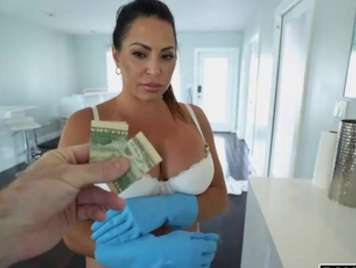 Housekeeper undresses for money