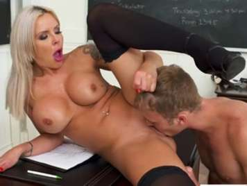Open-legged teacher seduces a student