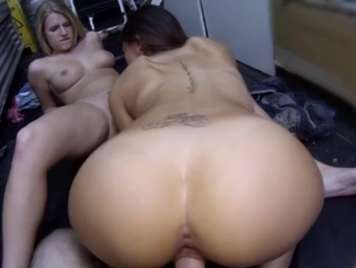 College girls enjoy a very hot threesome