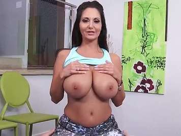 mature fucks hard and ends up on her tits