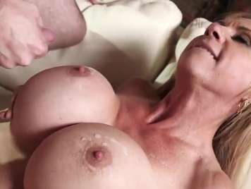 Busty milf wants milk in her large breasts