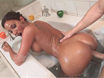 Mature with a spectacular ass fucking in the jacuzzi him cumshots in her ass hole