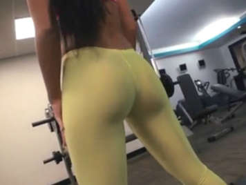 Spectacular brunette ass in the gym