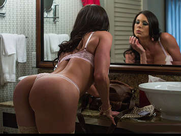 Luxury mature whore with perfect ass fucking like a bitch in a hotel
