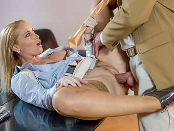 Efficient secretary fucking with her boss let her enjoy her soft and wet pussy