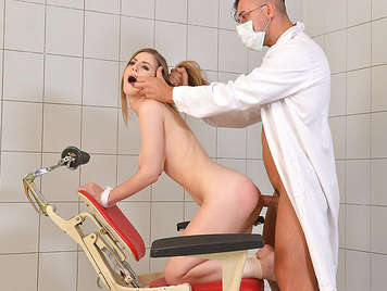 Ass whip and fucked a girl tied to a dentist's chair until he cumshot in her mouth