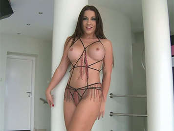 Deep and anal sex with a busty babe in sexy lingerie and very bold that allowed brutally sodomizing