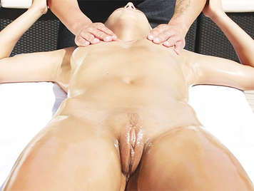 Slippery massage to a hottie blonde with a perfect pussy to fuck