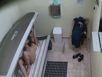 hidden camera in a solarium, spying on naked babe