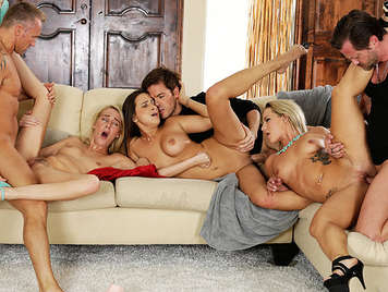 Festival of sex with three pairs of swingers, single sex at a private orgy