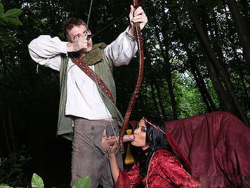 Robin Hood Breaking the asshole to the Lady Marian with a her big and hard arrow of meat