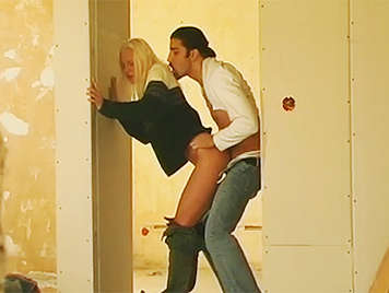 Voyeur observed as a horny couple fucks hidden in a building under construction